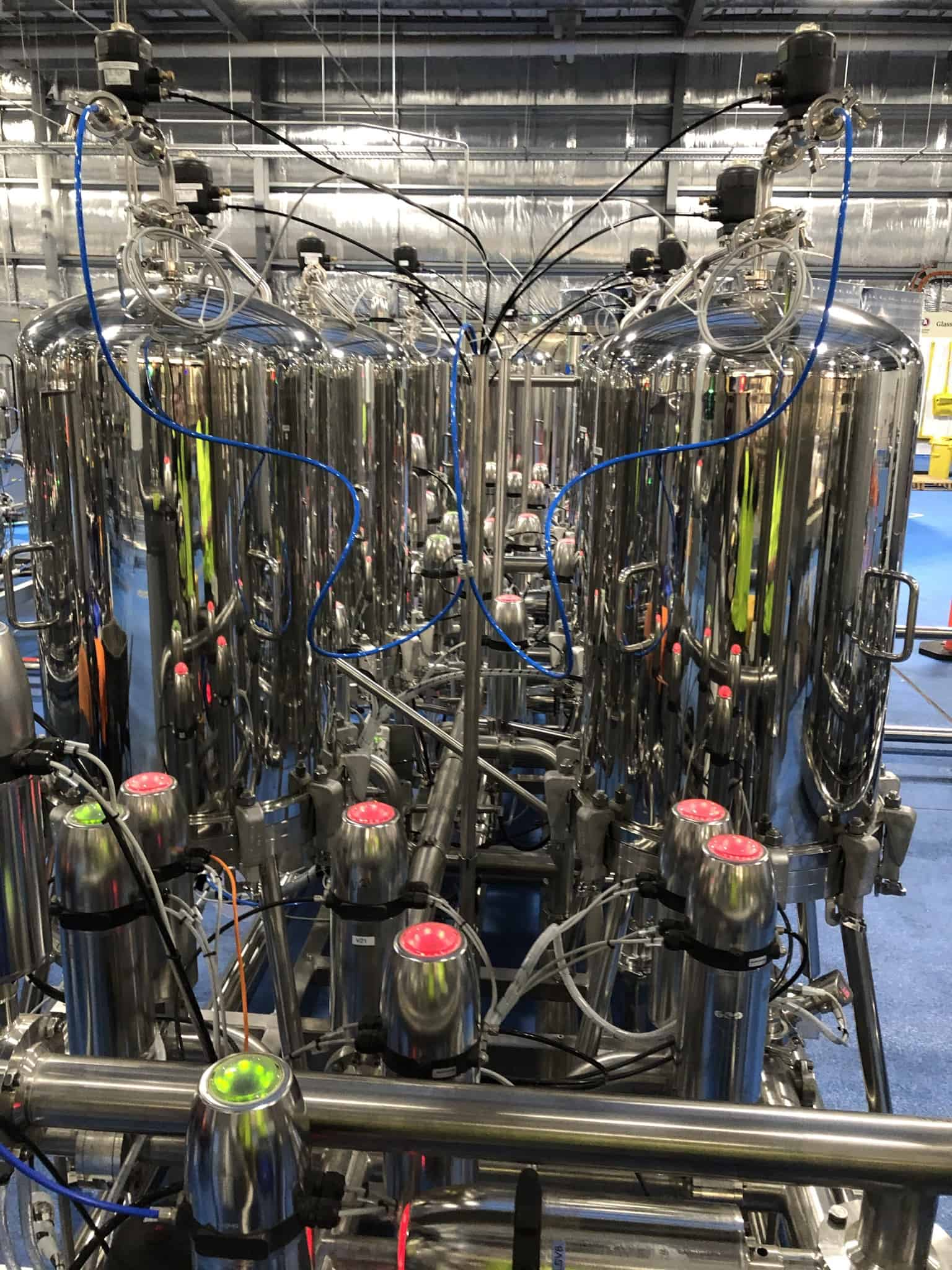 accolade automated sterile filtration system for bottling 3